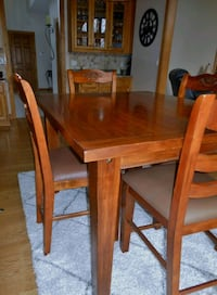 Pub-style Kitchen Table and 6 chairs