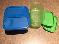 Roots lunch containers and 3x ice cube trays London, N6G 0C3
