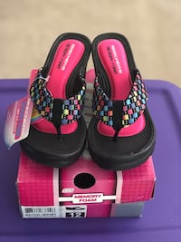 Sketchers - size 12 for toddler girl brand new Mississauga, L5W 1Z4