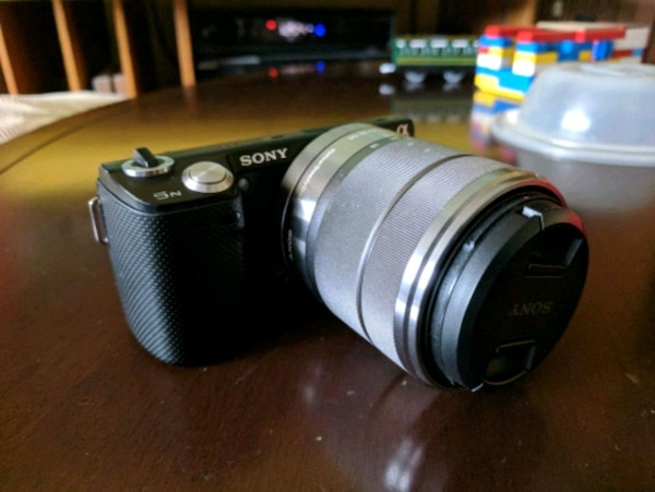 Sony NEX 5n with kit lens 18-55mm