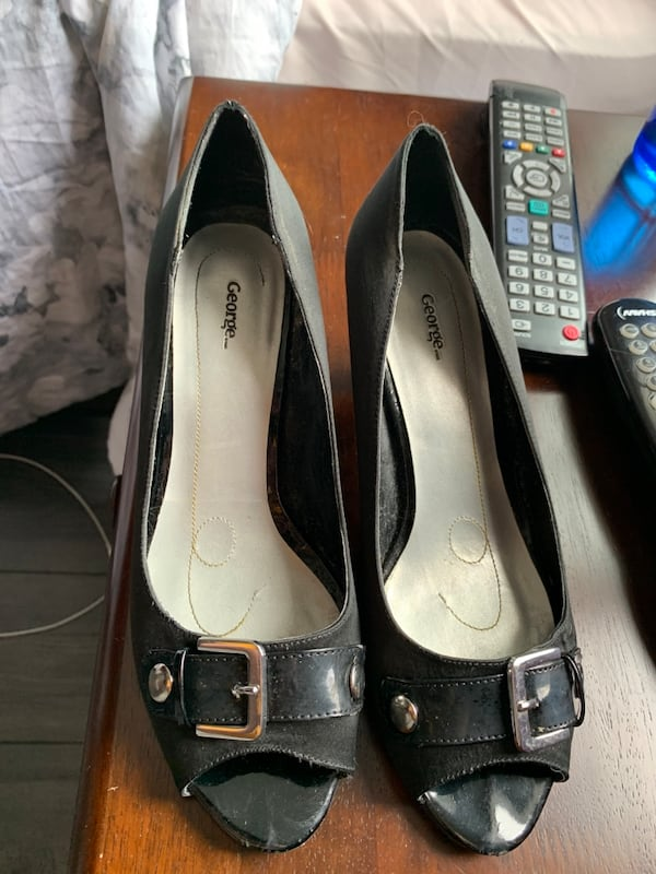 Heels for sale  fc71c5ba-5f68-4054-8930-2a1271c5ad25