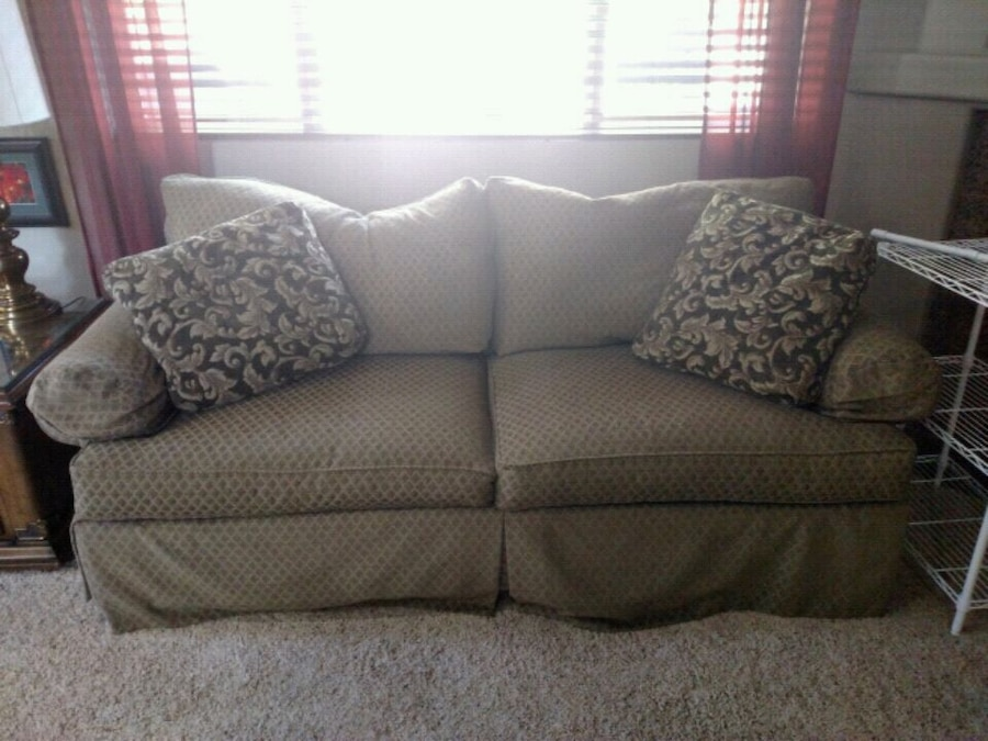 used couch free for sale in olympia letgo rh tr letgo com
