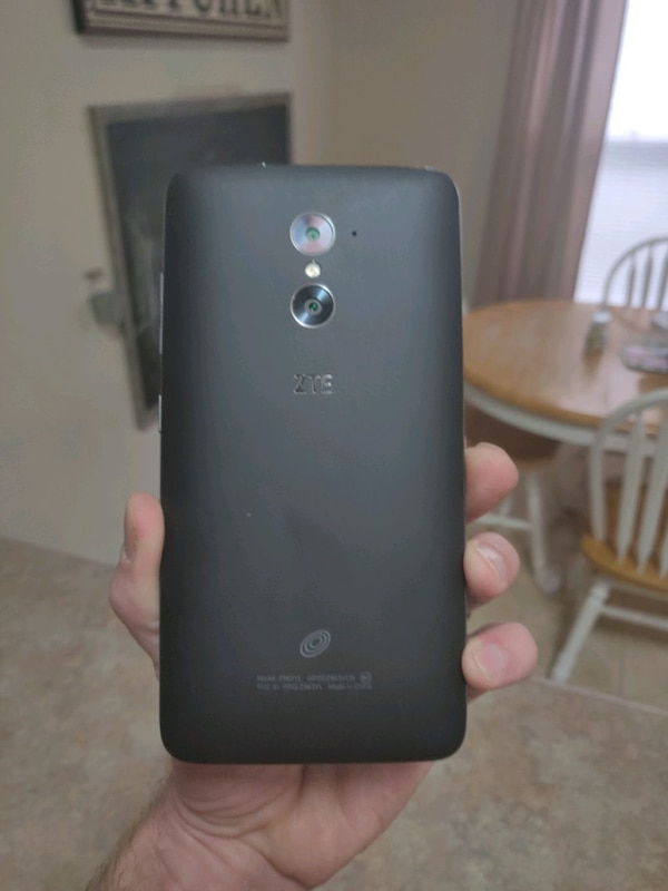 Used Android ZTE Z963VL Straight Talk for sale in San Antonio - letgo