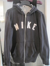 Nike Graphic Logo Full Zip Unisex Friendly Hoodie - Size Medium Winnipeg