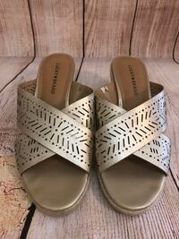 Lucky Brand Gold Wedges Size 9 Robertsdale, 36567