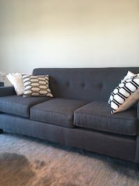 Gray fabric 3-seat couch Toronto, M3A