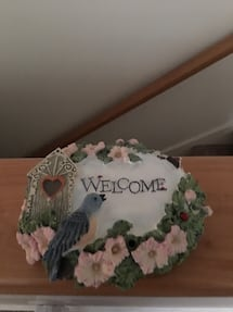 Welcome sign w/ sound bird