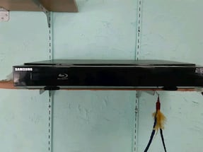 Samsung surround sound Blue Tooth with DVD PLAYER AND REMOTE