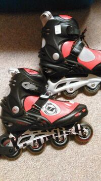 Womens Size 9 ABEC 7 Rollerblades Like New  London
