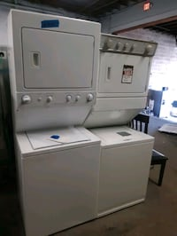 LAUNDRY CENTER WORKING PERFECTLY WITH 4 MONTHS WARRANTY