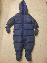 Gap snowsuit (like new) 12-18 months  Ottawa, K2B