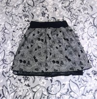 black and gray floral print skirt Vancouver, 98662
