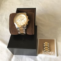 Round gold michael kors chronograph watch with lin 44 km