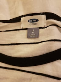Women size Small Petite from Old Navy Centreville