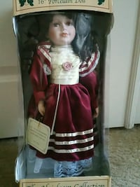 "THE HEIRLOOM COLLECTION 16 "" Porcelain Doll Las Vegas, 89146"