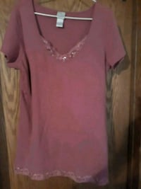 Womens top size 14/16W  Sioux Falls, 57103