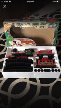 Christmas train set   Springfield, 65802