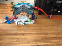 Hot wheels ultimate garage coming from a smoke and pet free house in an excellent condition  Torrance, 90505