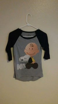 gray and black Mickey Mouse print sweater 2222 mi