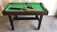 """48"""" pool table with balls, rack and two cues 奇科, 95928"""