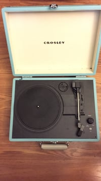 Crosley Vinyl (Tiffany Blue) player Germantown, 20876