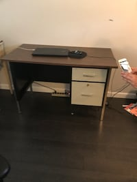 2 drawer desk with locking filing cabinet and chair Surrey, V4N 5Y6