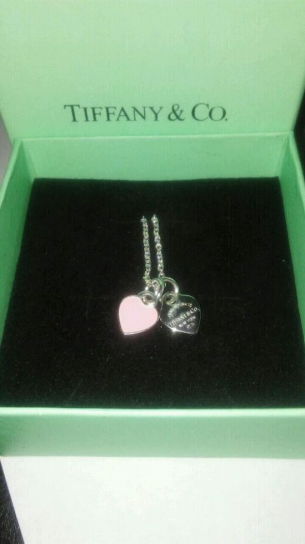 Tiffany&Co. Silver/Pink heart pendants w/necklace