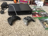 Black xbox one console with controller and games Mesa, 85204