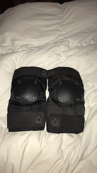 Size small elbow pads (only been used once)  Aptos, 95003