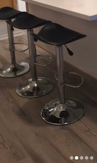 In perfect condition Adjustable Stools -make an offer! $50 for all 3! Toronto, M2N 6X7