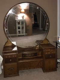 Antique Vanity Woodbridge, 22192