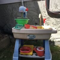 Water table/Mud Pie Table Calgary, T3L 1Y3