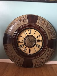 Beautiful large indoor clock. Negotiable yes