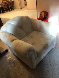 Beautiful chair, like new, always been covered Edmonton, T5Z 3R3