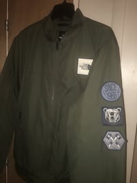 Men NorthFace Bomber Jacket Large and  XL 396 mi