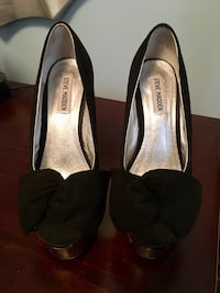 Sexy Steve Madden pumps with mirrored heel Whitby, L1R 0L8