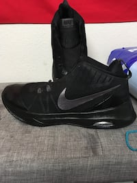 pair of black Nike basketball shoes Portland, 97239