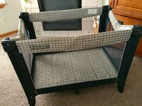 baby's black and white travel cot Thornton, 80233