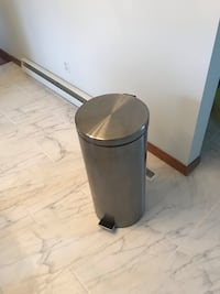 8 Gallon Stainless Steel Round Kitchen Step Trash Can, Brushed Stainless Steel Ashland, 44805