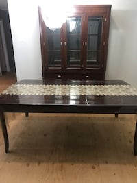 Living room table 8 seats glass Cabinet package deal  Toronto, M1R