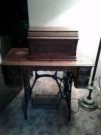 Antique sewing machine Kitchener, N2B 1A2