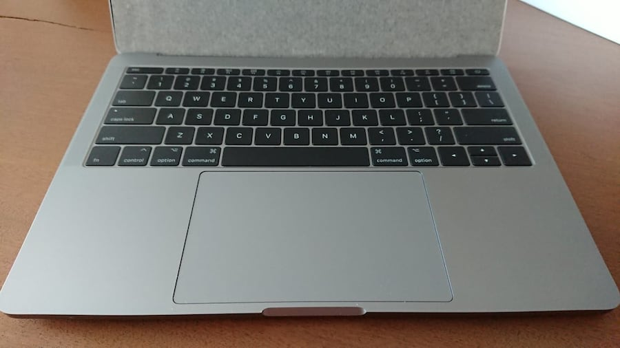 APPLE MACBOOK PRO 869d3970-0f6b-47aa-a6a2-3f5a960113b7
