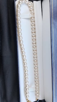 Beaded white pearl necklace with box Irving, 75062