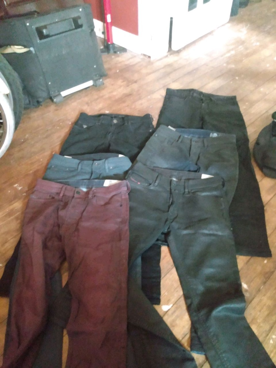 Photo Diesel, Guess & John Varvatos Jeans