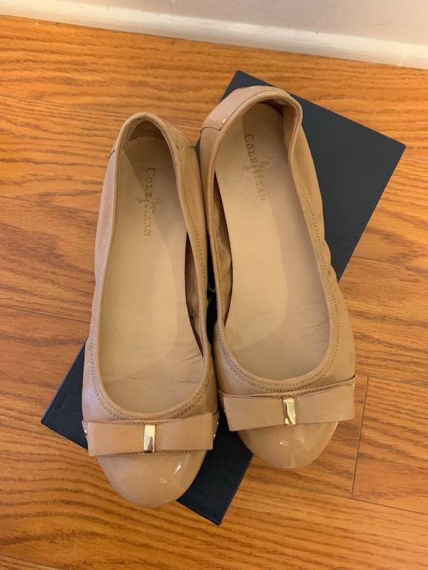 Cole Haan Bow Flats in Beige   Size 5.5   Like New!! dfb3e26c-afb8-4d06-8280-5c4b87f65ad0