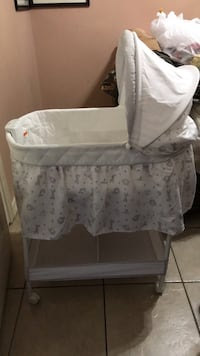 Baby's white bassinet Mission, 78572