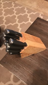 brown wooden knife block with knifes Nashville, 37216