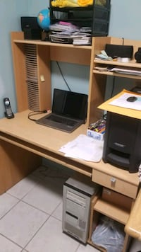 Computer desk ready to go now! Mississauga, L5A 3R6