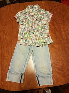Gap girls outfit shirt size 6-7, jeans size 6