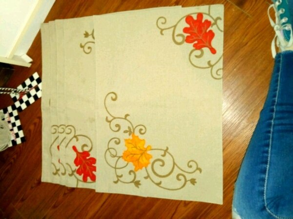 5 table place mats